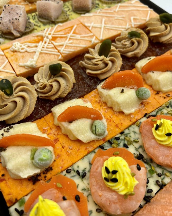PLATEAU DE 35 CANAPES SALES FROIDS